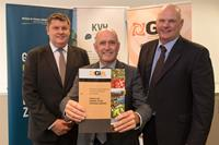 Kiwifruit industry signs agreement to fight pest threats