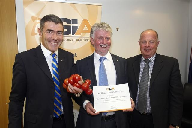 Tomato industry signs Government Industry Agreement on biosecurity