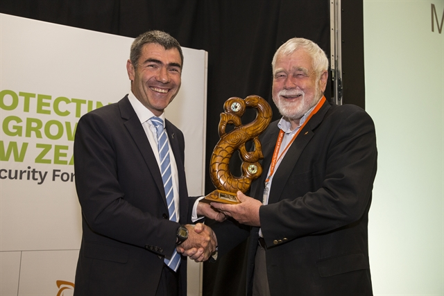 Minister Guy and John Hellstrom Biosecurity Award_6